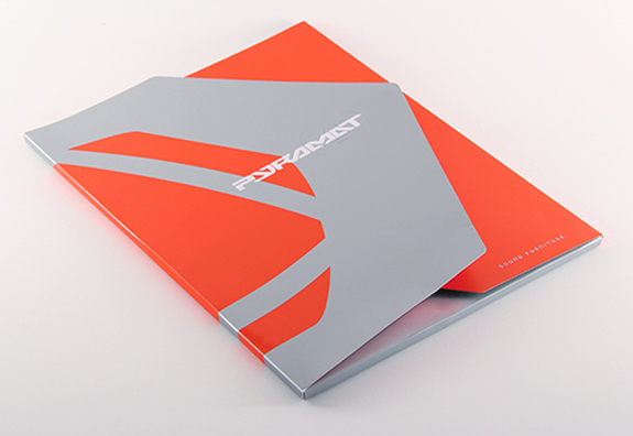 Presentation Folder - Pyramat